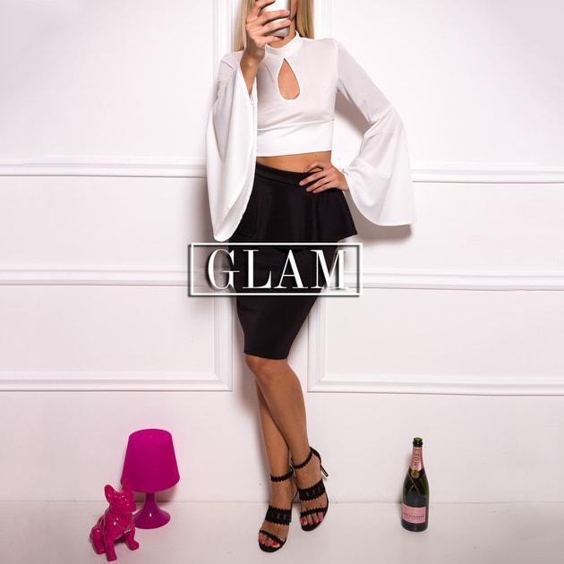 95574dce3fdc Glamadise.sk - Dámske luxusné crop top s volánom - biela - Due Linee - Topy  a blúzky - Dámske oblečenie - GLAM
