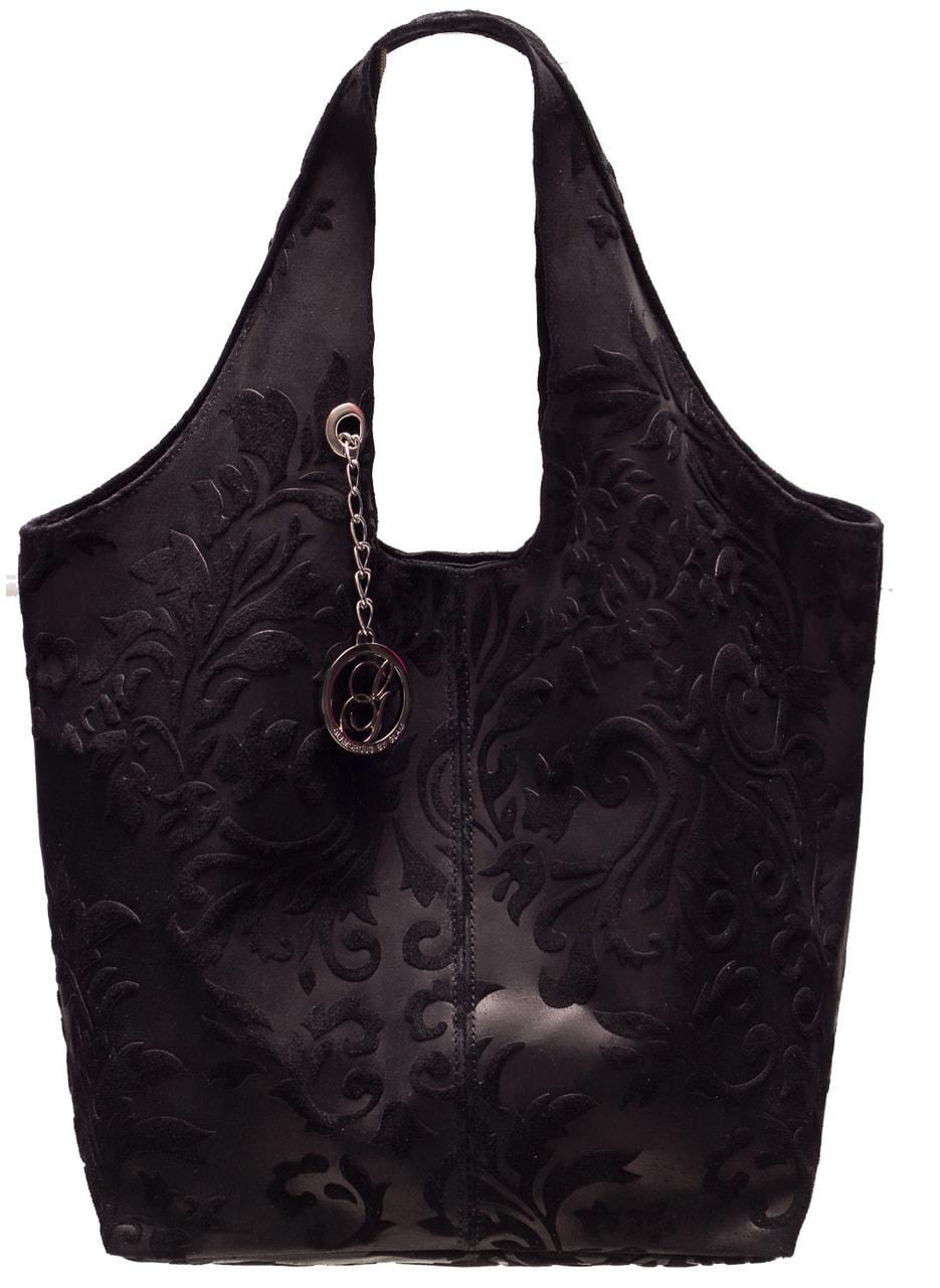 355a0f01cec Dámská kožená kabelka větší přes rameno ražená s květy - černá ...