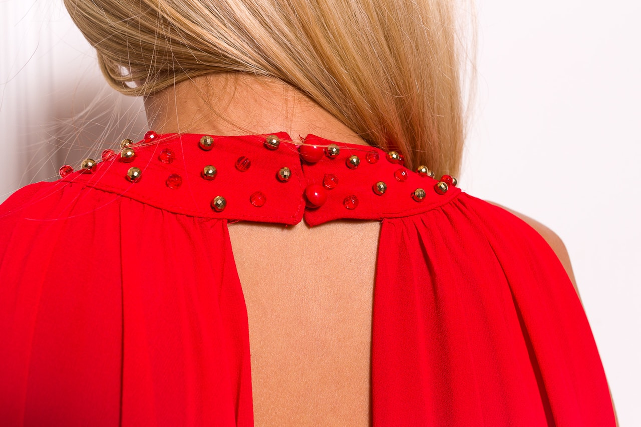 731c570ef8b Společenské dlouhé šaty se zdobením kolem krku a šálem - červená ...