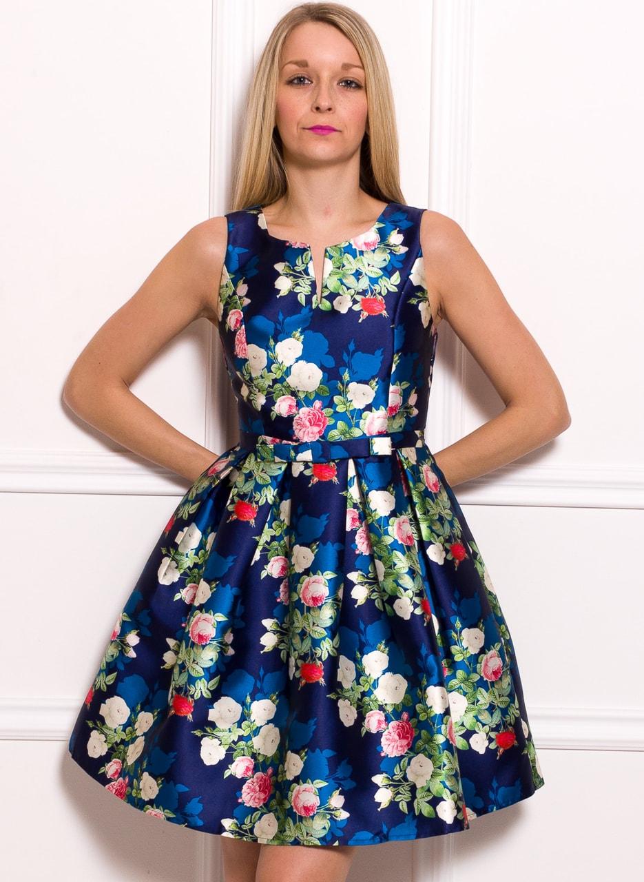 Dámské šaty A střih modré s květinami - Due Linee - Promoce a svatby ... c4eb67bbcd