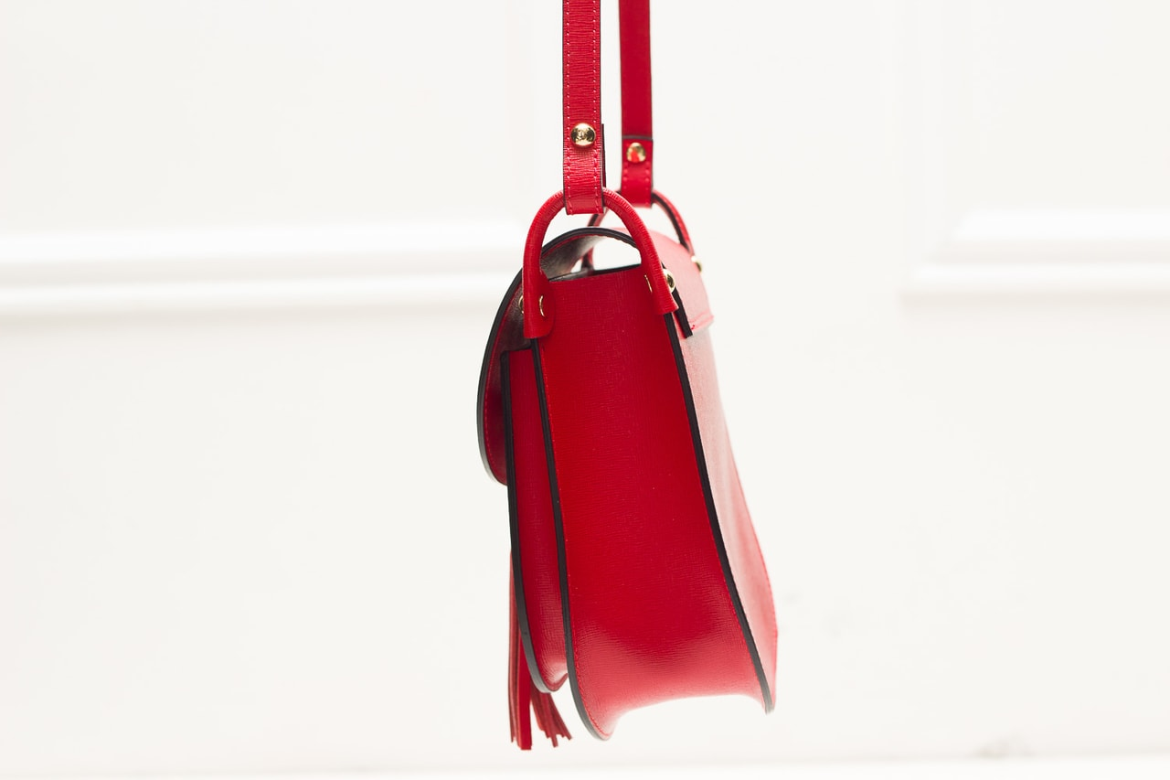 Dámská kožená crossbody kabelka ze safiánové kůže - červená ... 83402f4c2a