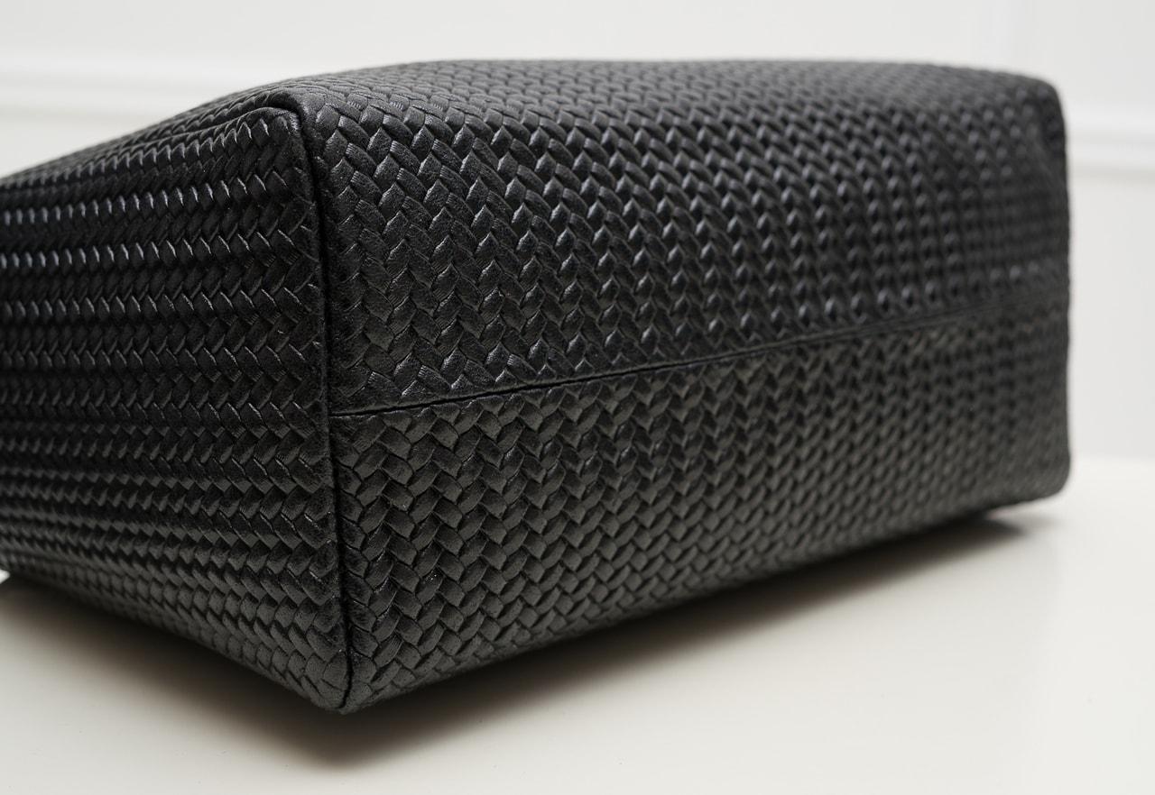 46829790587 GLAM.cz - Dámská kožená kabelka kombinace černá s jemným proplétáním ...