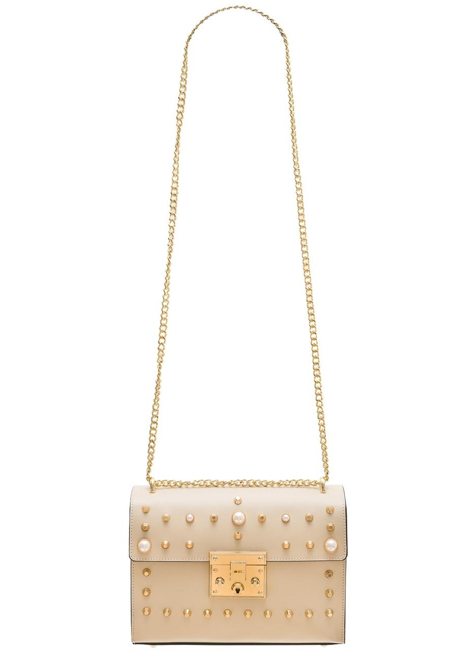 Glamadise.sk - Dámska kožená crossbody kabelky s perličkami - béžová ... 8ecac7c23b1