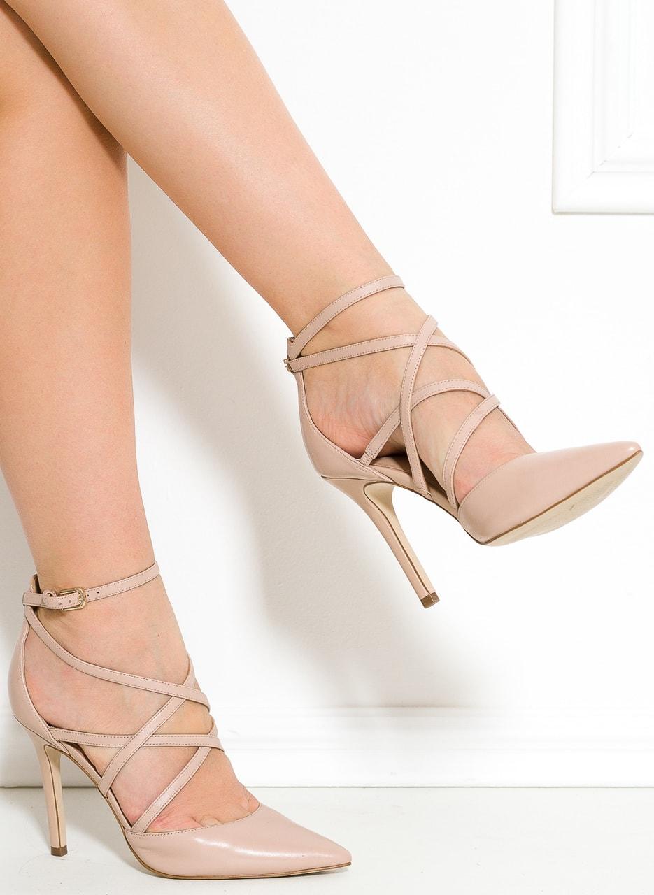 021776f76f Glamadise.sk - Guess sandále krémové - Guess - Sandále - Dámske ...