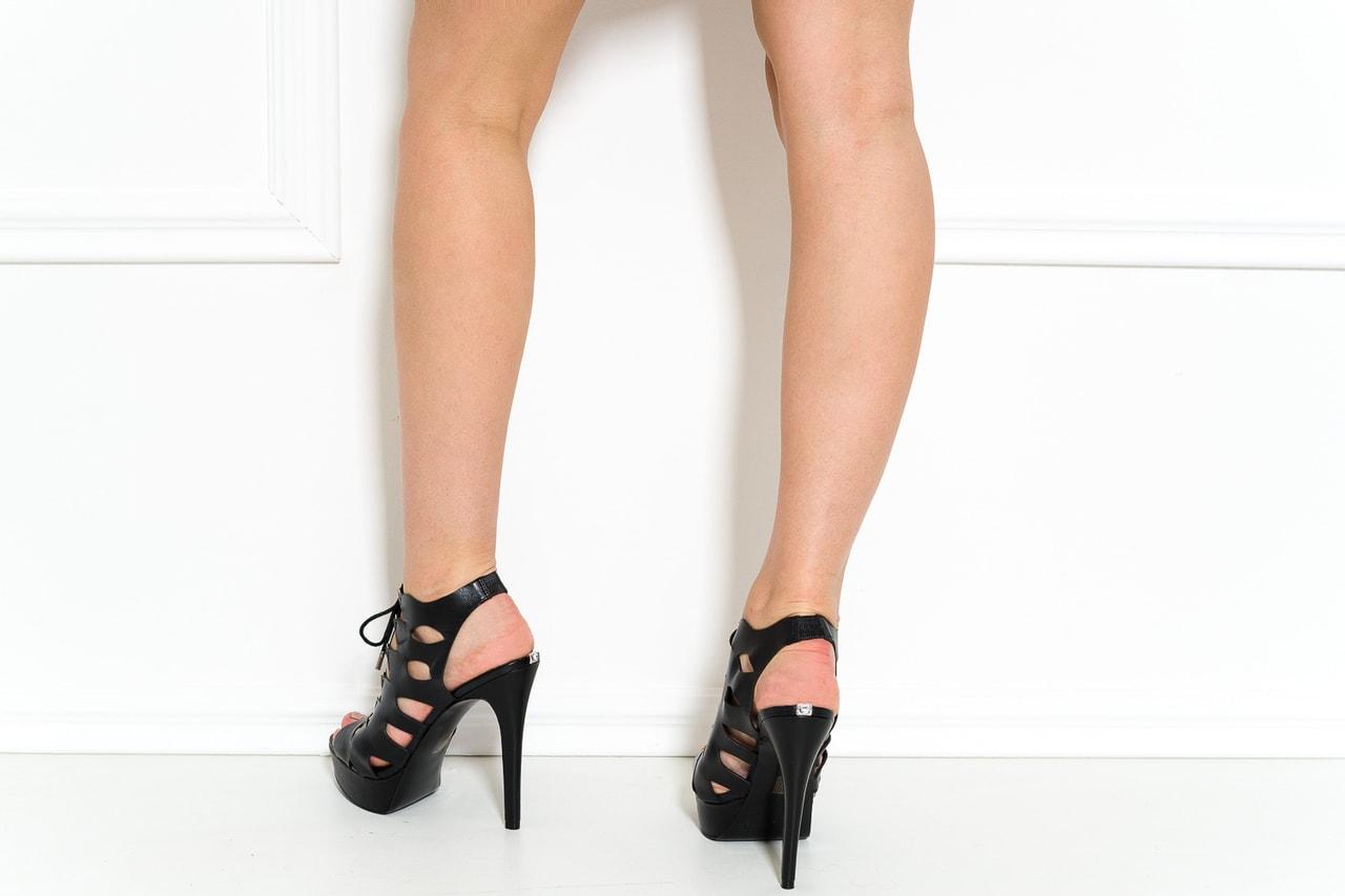14121e61b9c9 Glamadise.sk - Guess kožené sandále čierne - Guess - Sandále ...
