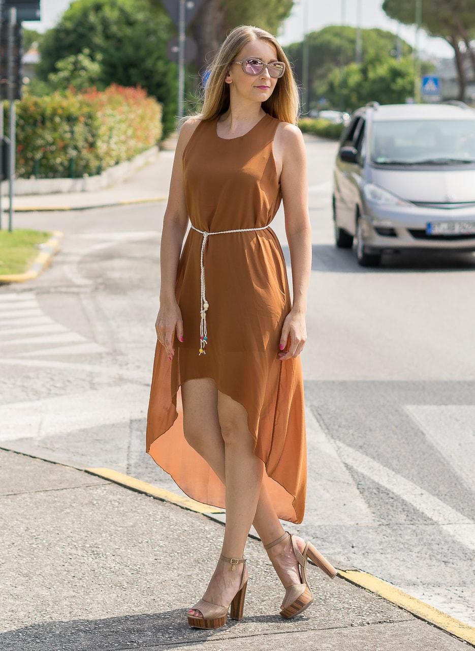 Glamadise.sk - Dámske letné šaty asymetrické odtieň hnedej ... ba63e034797