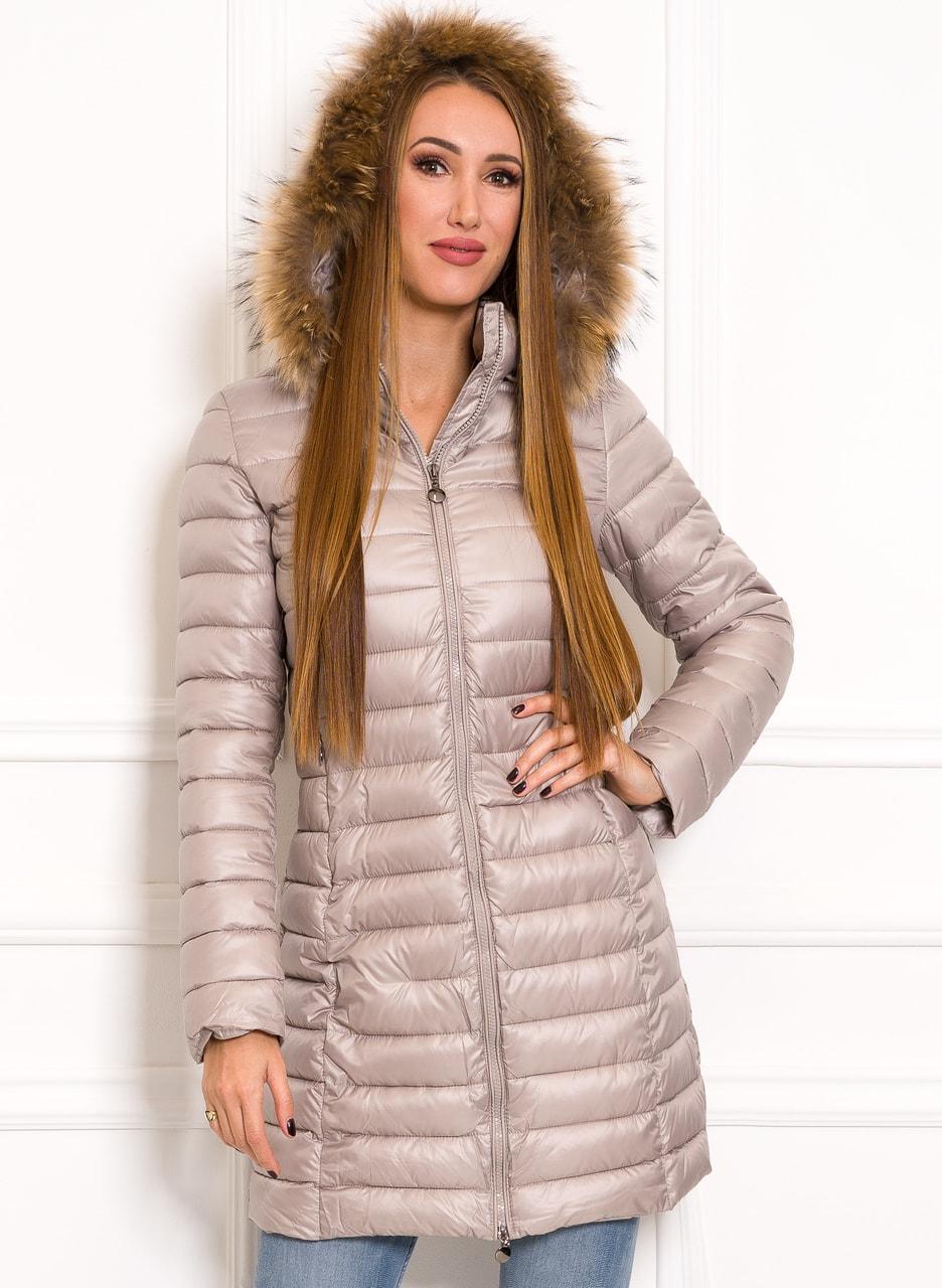 Glamadise.sk - Jednoduchá dámska zimná bunda s pravou kožušinou ... e2e48491b45
