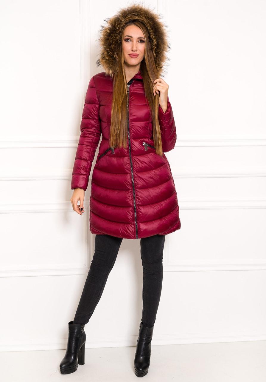 Glamadise.sk - Vypasovaná zimná bunda s pravou kožušinou vínová ... 2eb10647ee1