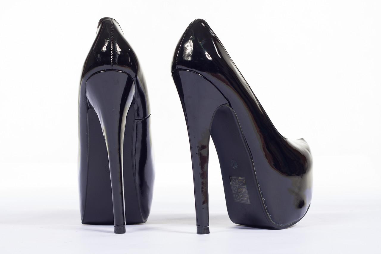 2f190cf2304 Glamadise - Italian fashion paradise - -50% Dámské lodičky černé na ...