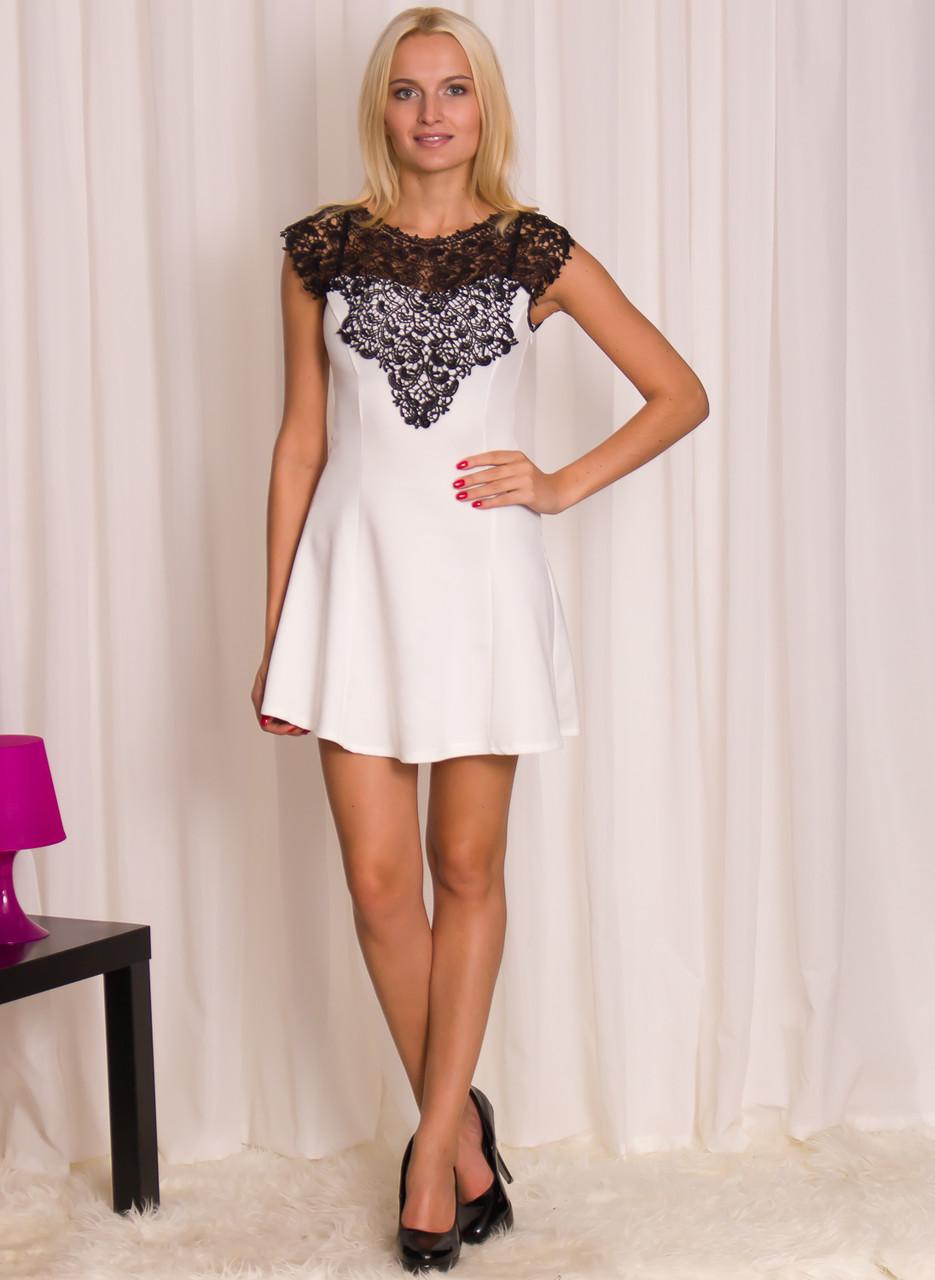 Dámské bílé šaty s černou krajkou - Glamorous by Glam - Šaty ... 9c569e1aa3