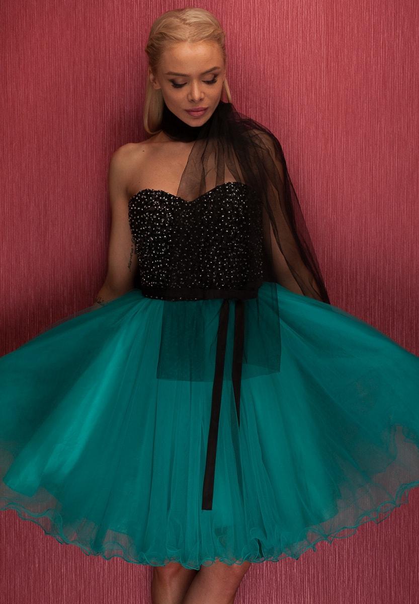 Dámské krátké plesové šaty bez ramínek - zelená - Due Linee - Šaty ... 95c2eb0af8