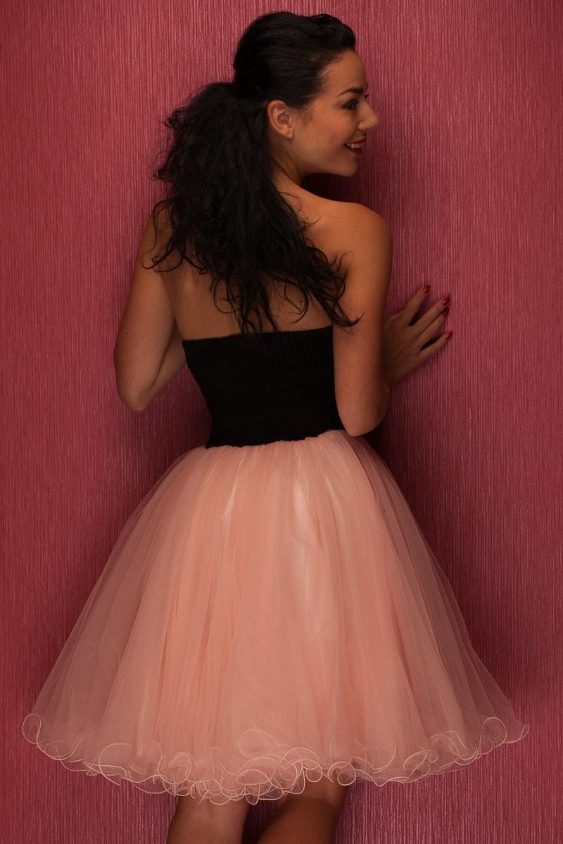 Dámské krátké plesové šaty bez ramínek - růžová - Due Linee - Šaty ... b6d0a4fc75a