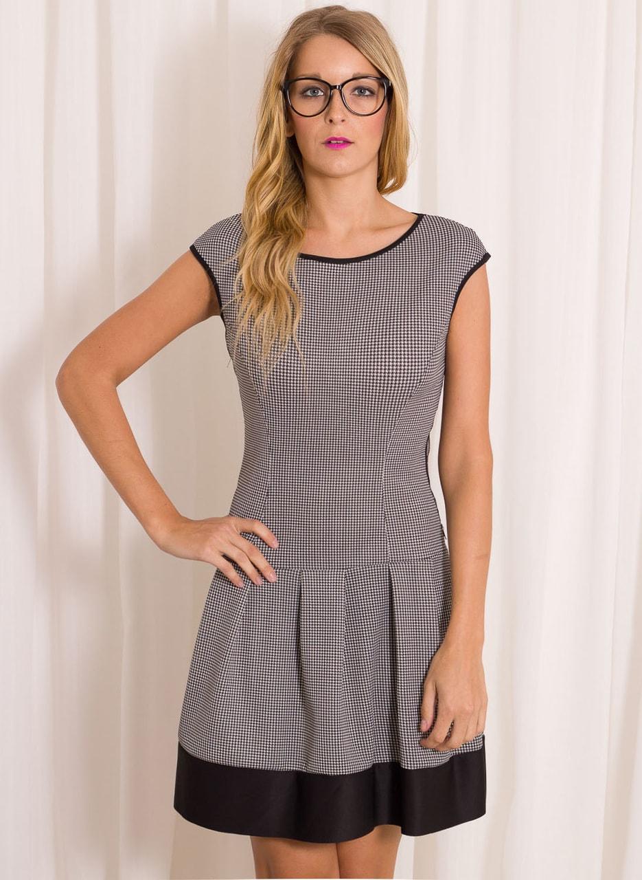 Dámské elegantní šaty s jemným vzorem černo - bílá - Šaty - Dámské ... 583a3067f7