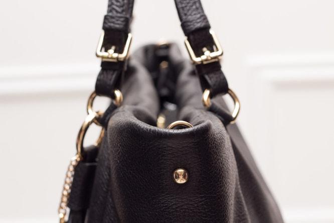 67ac212b6c Glamadise.sk - Dámska kožená kabelka čierna s strapcov - Glamorous ...